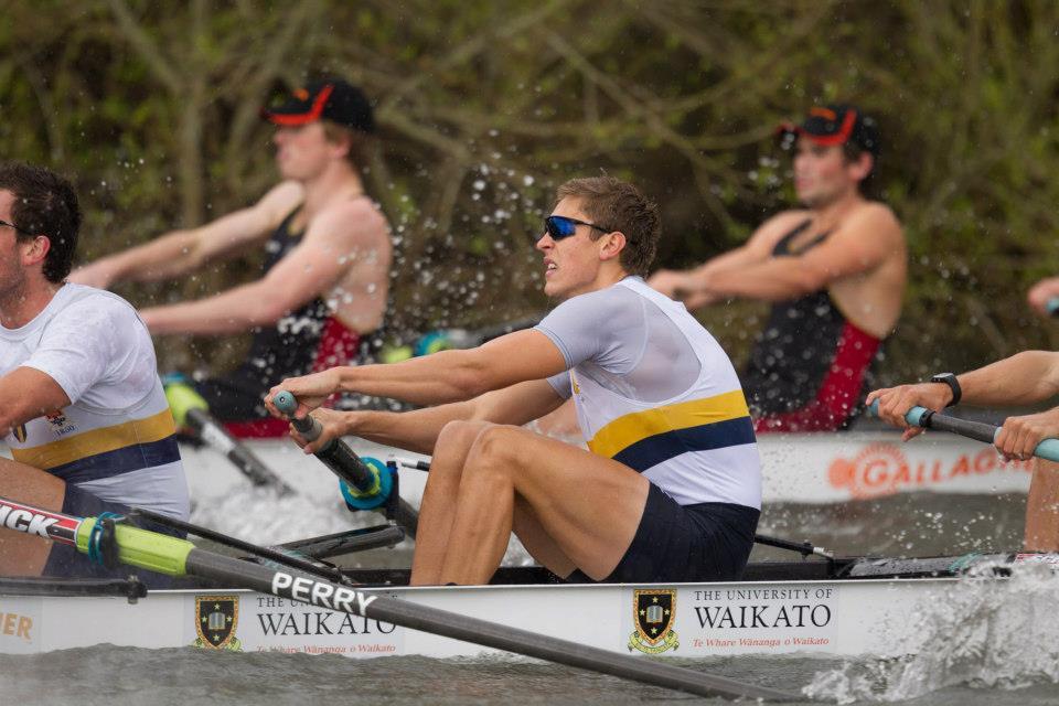Sydney-Uni-battle-for-the-lead-with-Waikato-2012-Great-Race.jpg