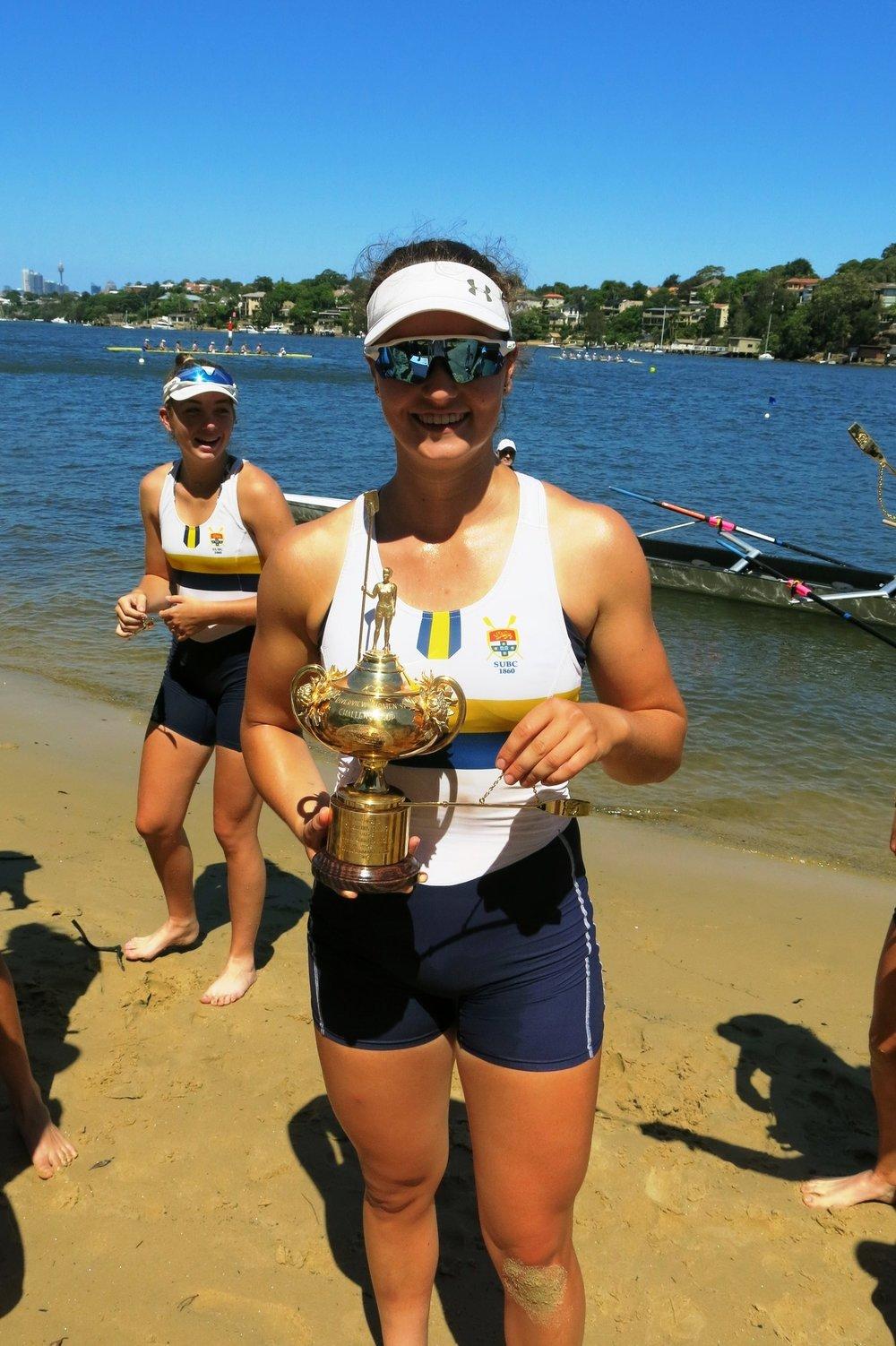 - Women's Captain Dyone Bettega with Women's Gold Cup