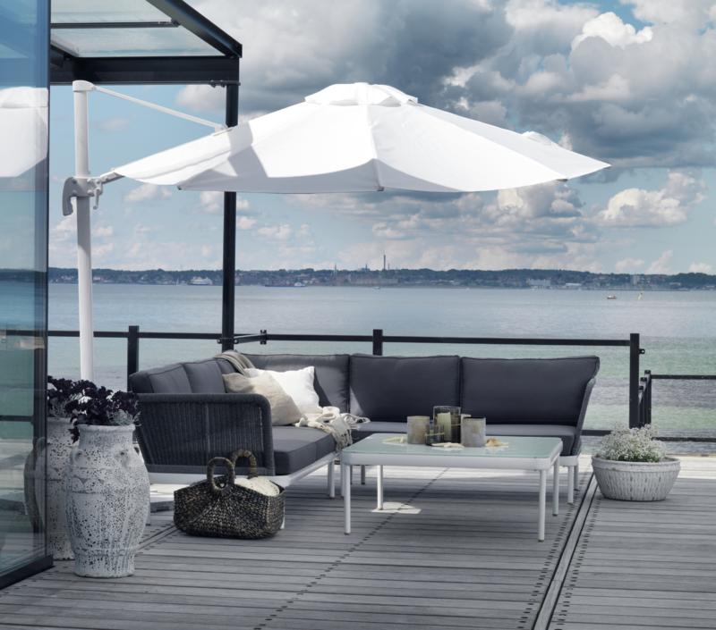 Ajaccio hjørnesofa og Linz parasol