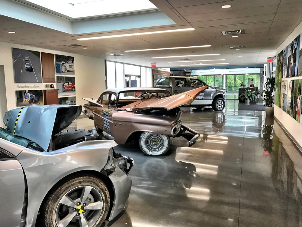 IIHS (Showroom Interior)