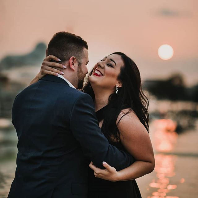 Okay. This sunset was just fricken perfect. . . . . . #belleisledetroit #belleisleengagement  #sunset #sunsetengagement #NovaRosePhotography #sterlingheightsphotographer #michiganweddingphotographer #weddingphotographer #detroitphotographer #theknot #michigan #photographybusiness #instagood #gorgeouscouple #michiganphotographer #michiganwedding #reflection #kiss #goldenhour #bestof #puremichigan #wed #creative #sterlingheightsweddingphotographer #engagementphotos #laughter #michiganengagementphotographer