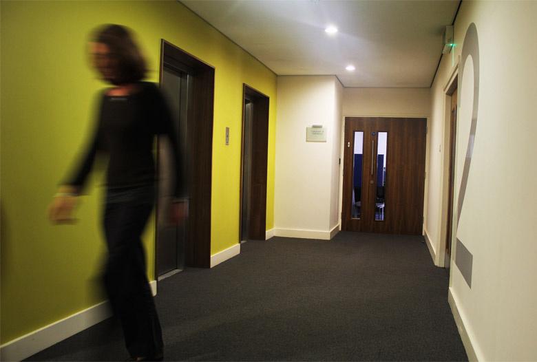 Modern_Hallway_Design_Ideas.jpg