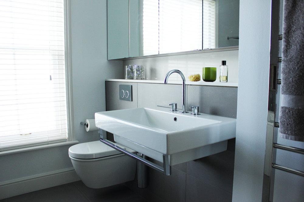 Eve Waldron Design Denford Mill bathroom 2.JPG