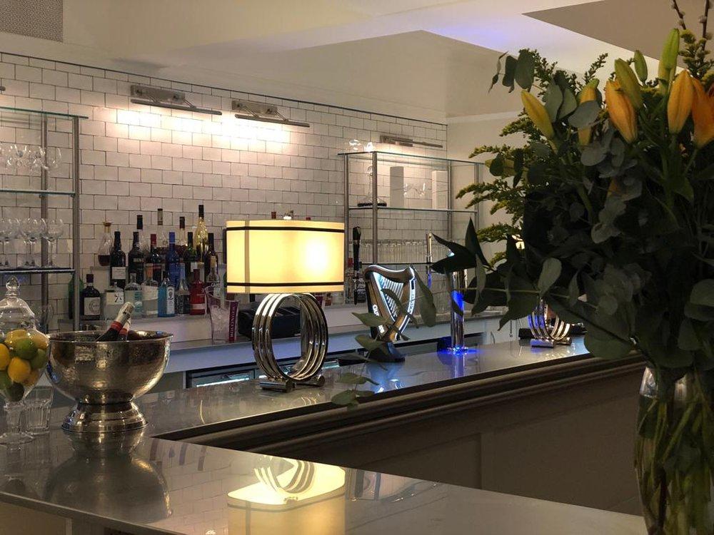 SG bar by night .JPG