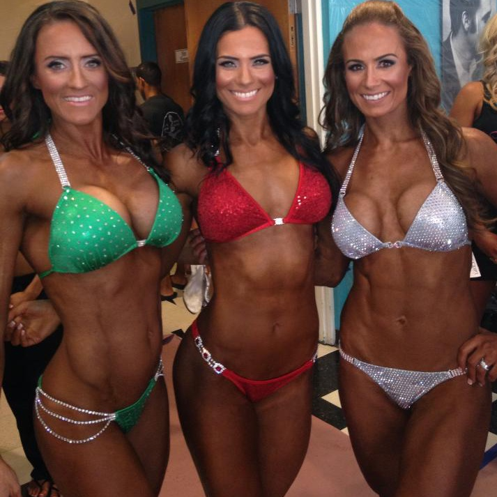 fitness-competition-bikini-moms