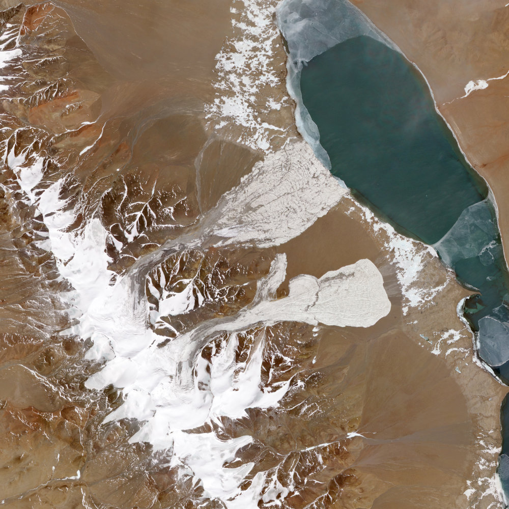 Satellite images of the glacier in Tibet's Aru Mountains after an ice avalanche in 2016 provided new data on what was once considered among the most stable glacier regions in the world.