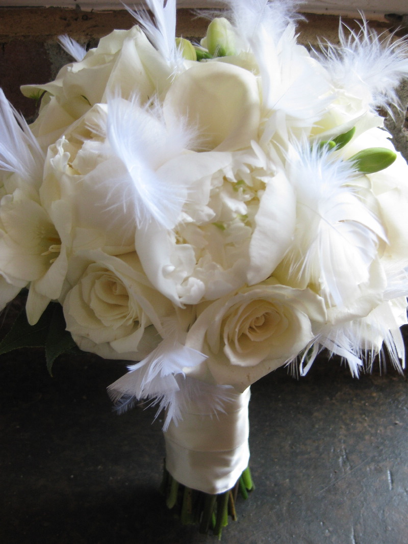 feather-bridal-bouquet.jpg