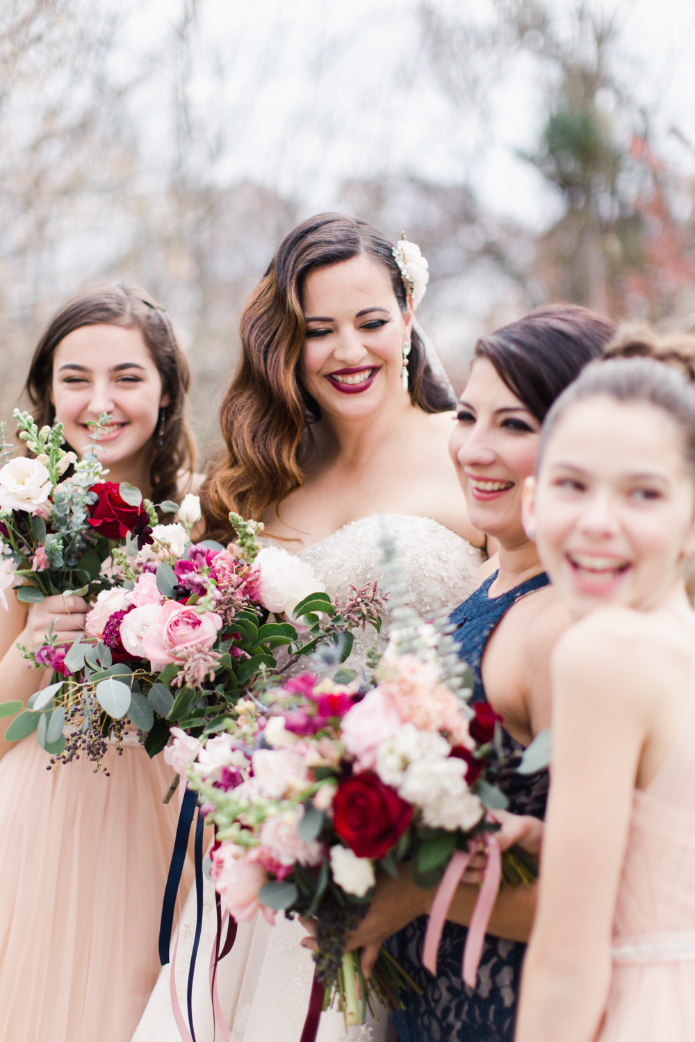 Beautiful romantic florals from Gold Dust in Pittsburgh PA for a Navy and Blush wedding day.