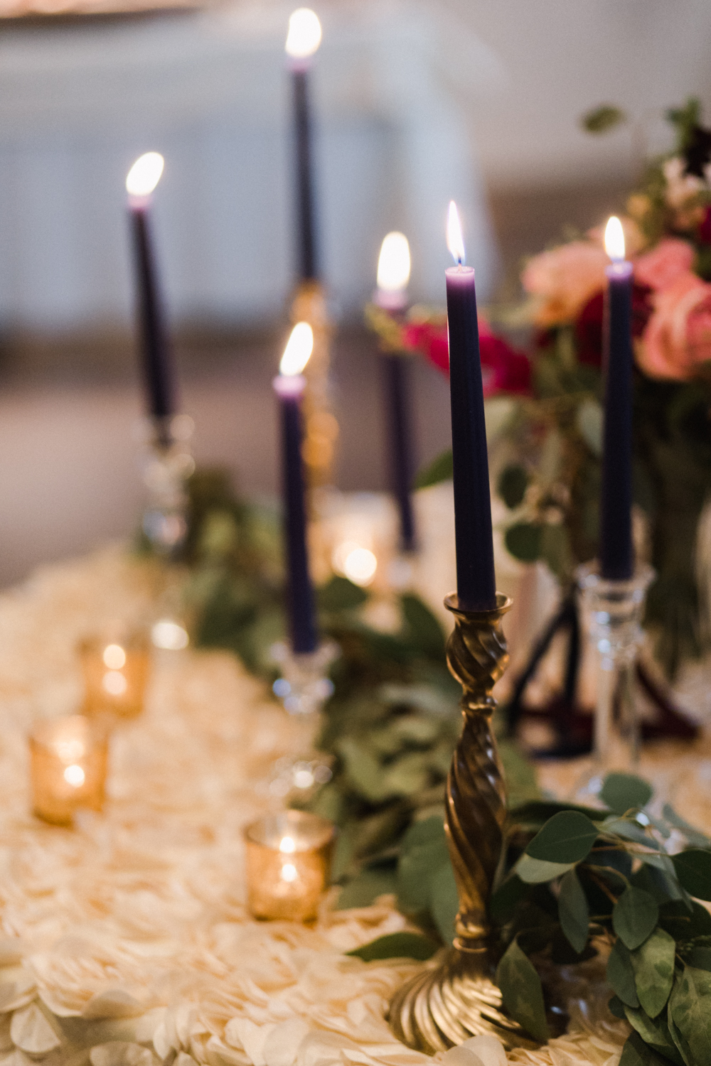 Nave_Candles_Mixed_Candlesticks.jpg