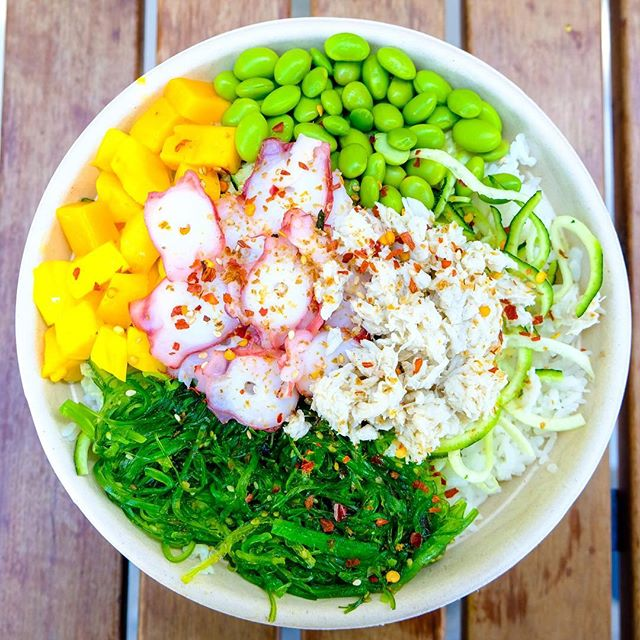 Fresh octopus 🐙 and enough toppings for your hearts desire...bowl on. 🐠 #flowmotionbaby #mainlandpoke