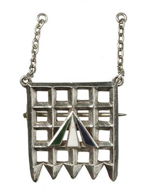 Holloway brooch designed by Sylvia Pankhurst: 1909