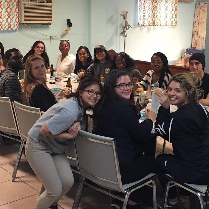 HisHands2Go volunteers enjoy mealtimes together