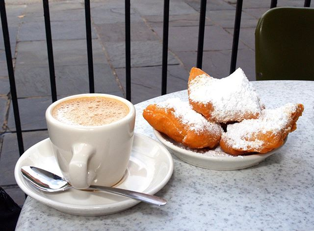 I told myself I would eat healthier after Mardi Gras. But then I walked almost 3 miles yesterday. I deserve a treat, right? — #beignets #cafedumonde #neworleans #neworleansfood #nola #nolafoodie #foodie #foodporn #breakfast #coffee #butfirstcoffee #donuts #neworleansdoulas