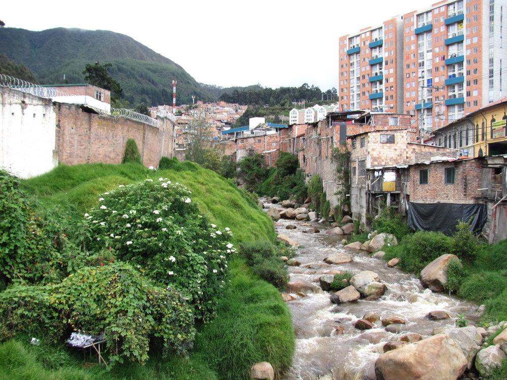 Una Comunidad Andina – Guillermo Alvarez