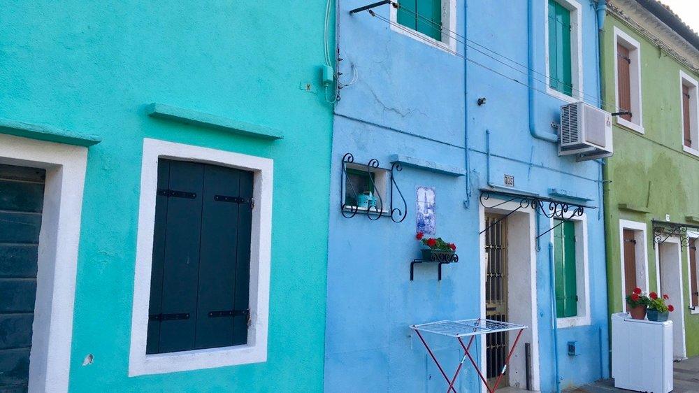 blue houses - Elizabeth Bowen