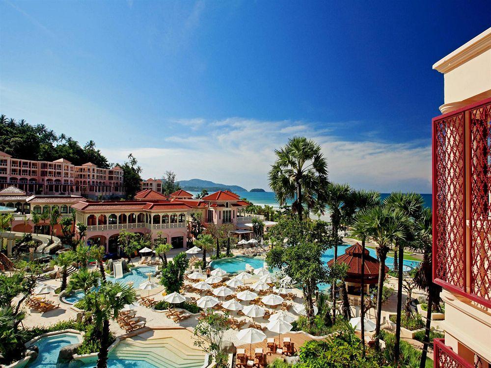 Centara Grand Beach Resort Phuket, Thaniland