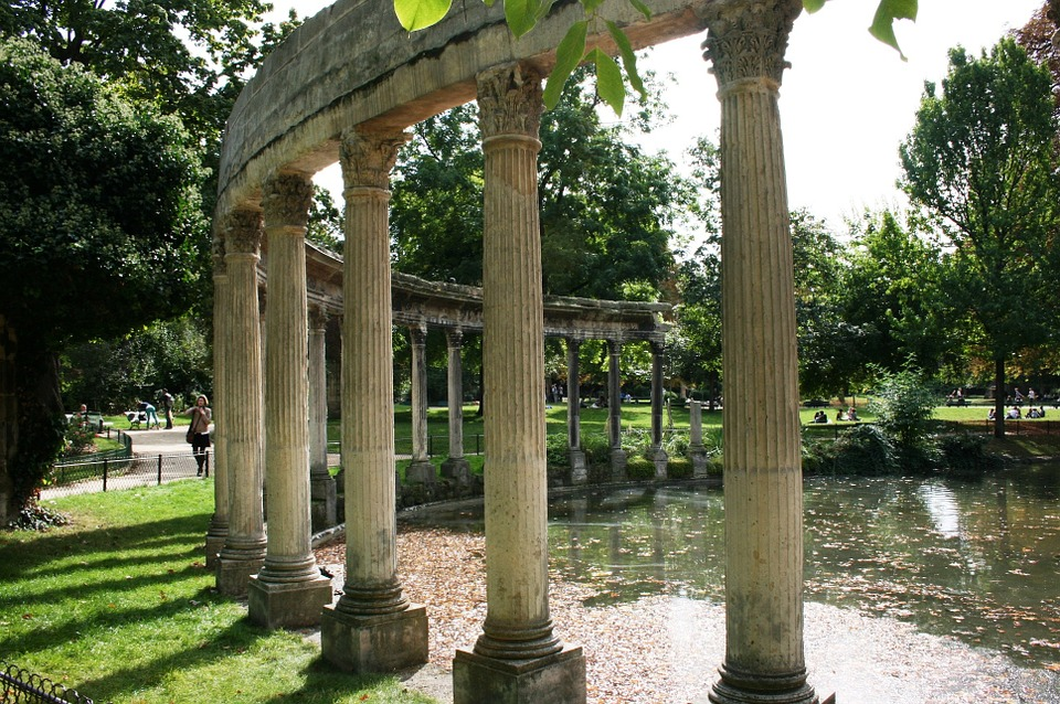 The columns at Parc Monceau