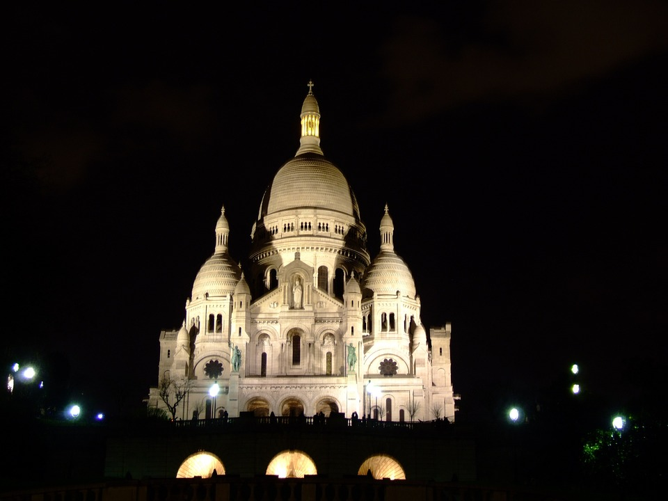 Basilique du Sacré Coeur at night
