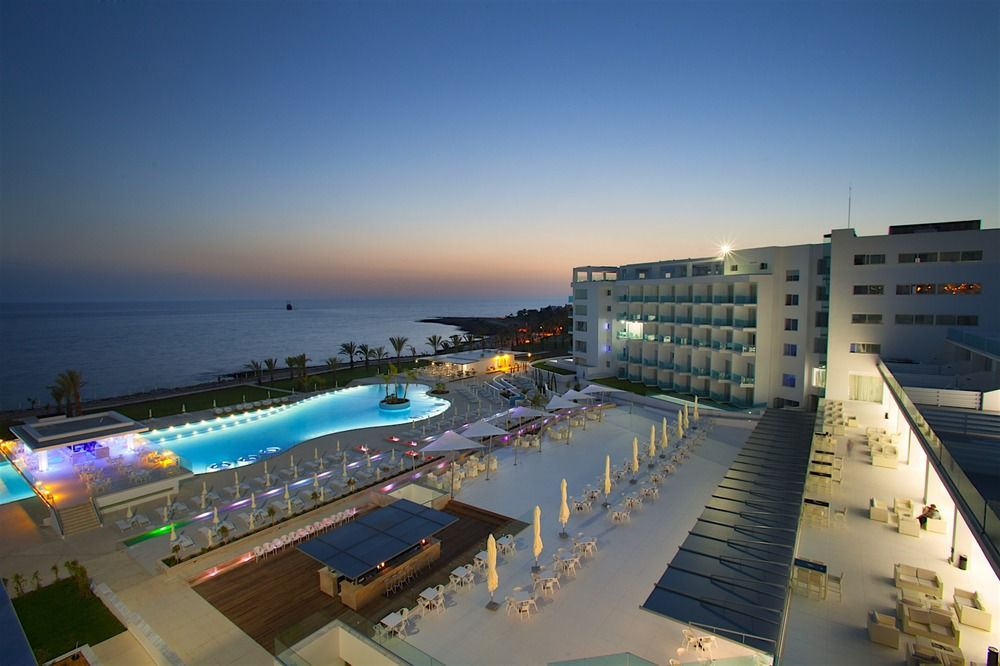 King Evelthon Beach Hotel & Resort -