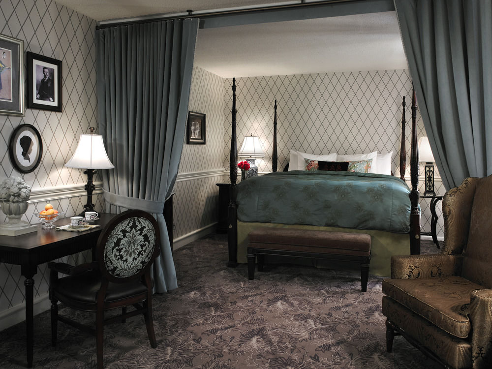 Elegant room in Hotel Viking