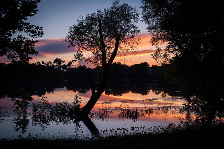 arrian_huffington_thrive_sunset.jpg