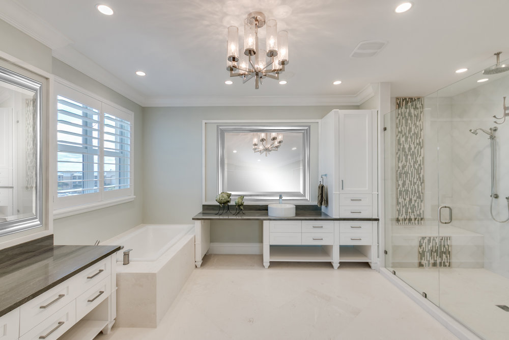 Interior Bathroom North.jpg