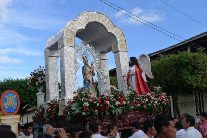 Bajada de la Virgen en Granada,Nicaragua