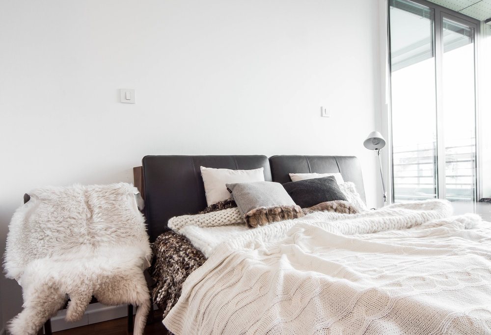 neutral colored nordic bedroom