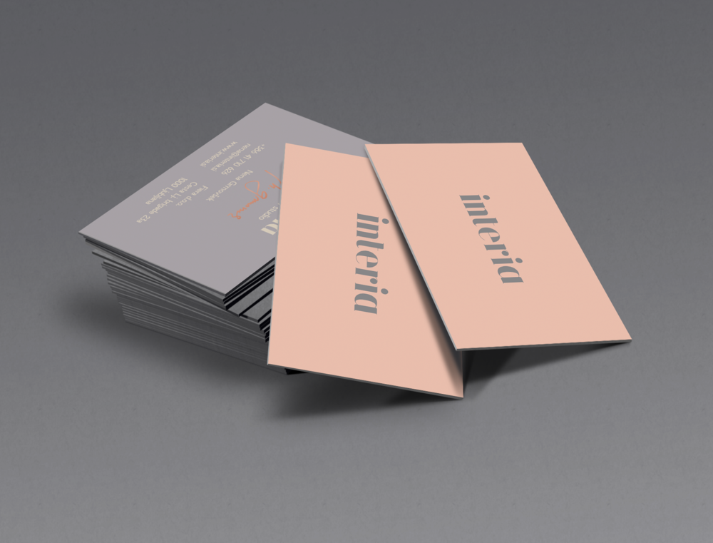 silver-business-card-mockup.png
