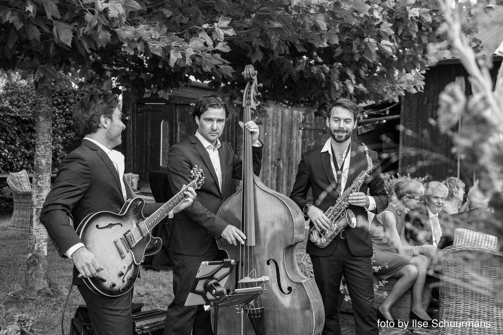 Fine Jazz Trio3.jpg