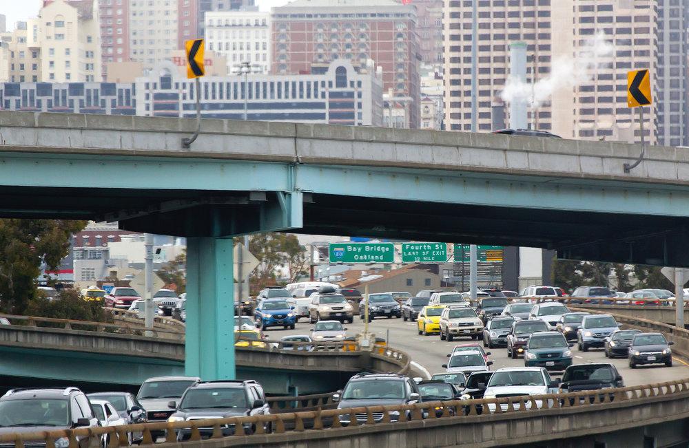 city-traffic_MyyR0Ltu.jpg