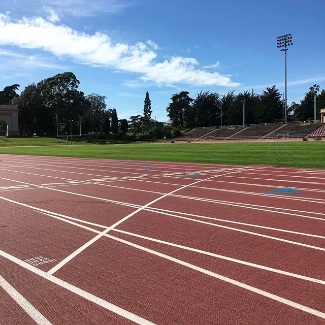 Keepin' Fridays fast 🏃‍♀️🔥. This week, we will meet at Kezar Stadium at 6:30am Friday morning for a ladder workout led by Coach Mario. See the Facebook event for details. Tag a friend who you want to earn your weekend with for a chance to win an Ekiden trucker hat. #runwithekiden #virginsport #ekidencoaching