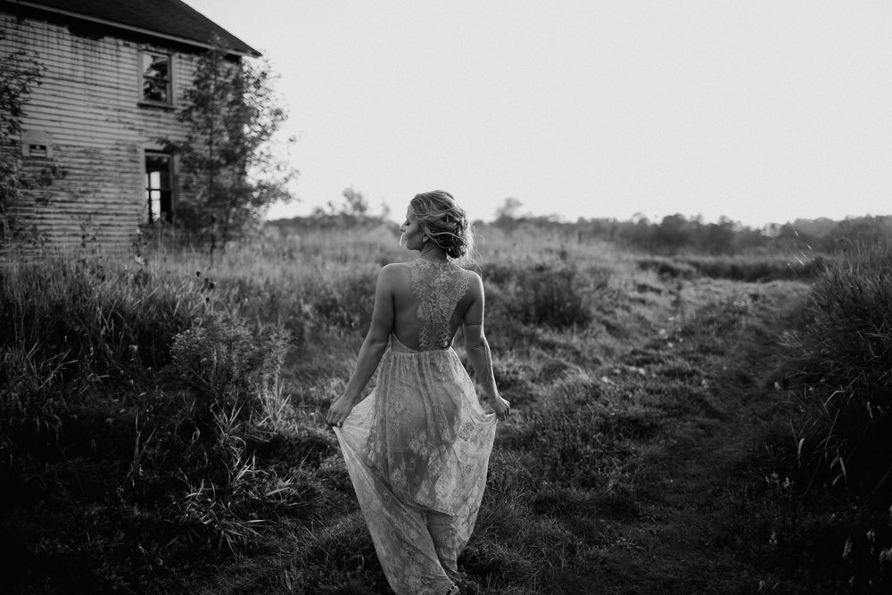 DENIZ + ANDRES Abandoned Farmhouse Elopement | Cedarburg, Wisconsin.