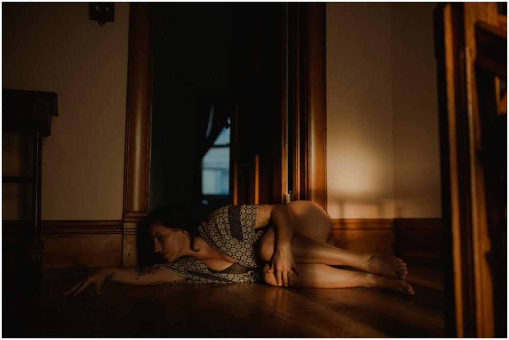 Milwaukee Boudoir Photographer | Woman in fetal position.