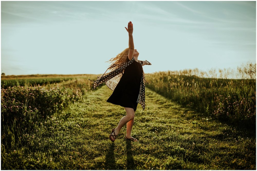 Milwaukee, Wisconsin Family Photographer | Mama and Me Session | Young girl dancing in sunset.