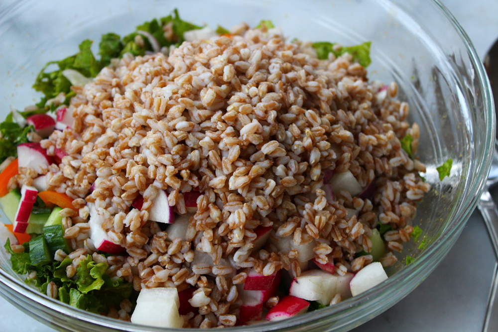 Crunchy Curry Salad with Farro 1.png