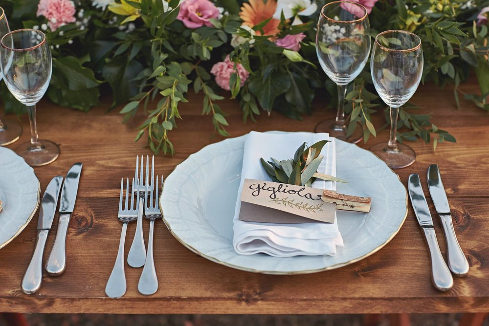 Plate setting.jpg