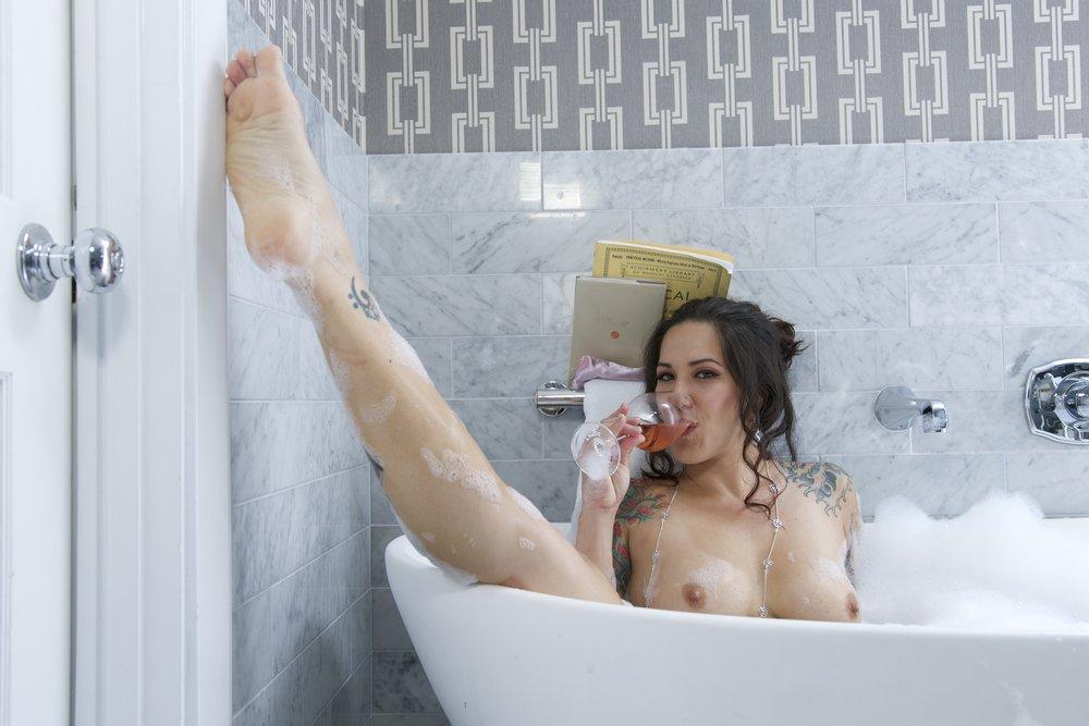Leg Up in Bath.jpg