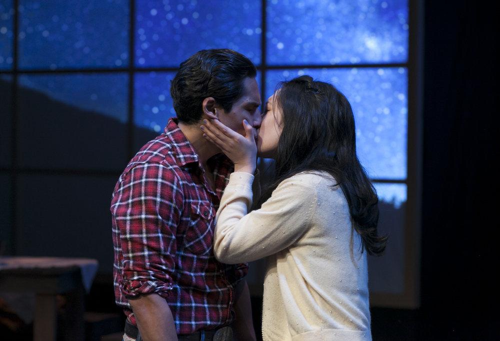 Lakin Valdez and Melanie Arii Mah kiss..jpg
