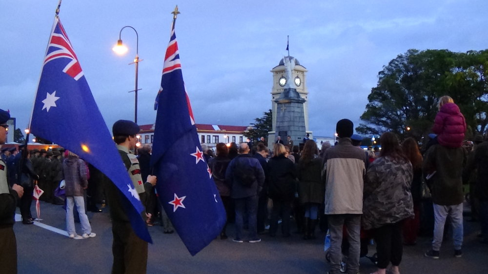 Anzac Dawn Ceremony in Fielding (2014); a moment's silence