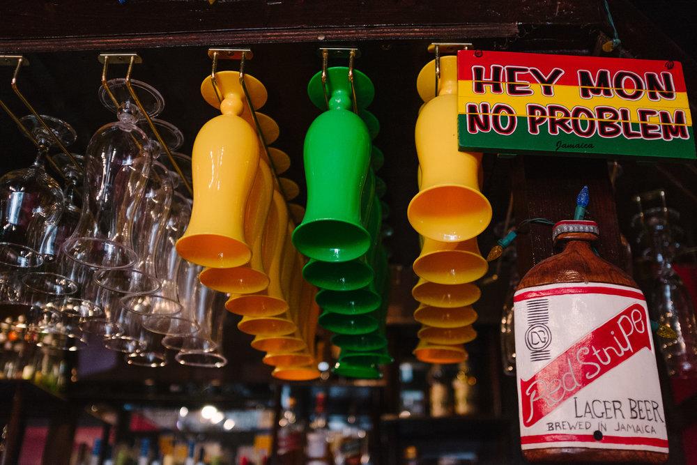 jamaican-food-houston-cool-runnings-bar