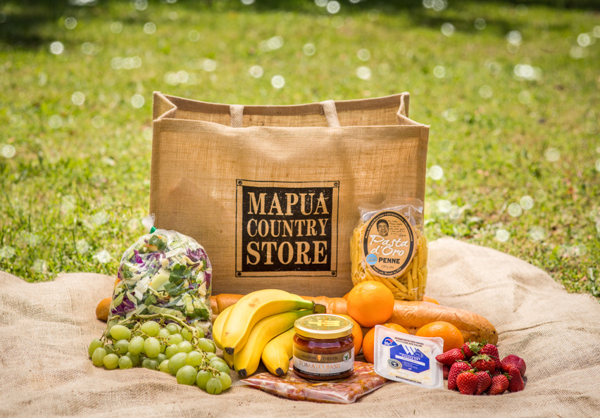 Mapua Country Store Picnic Bag