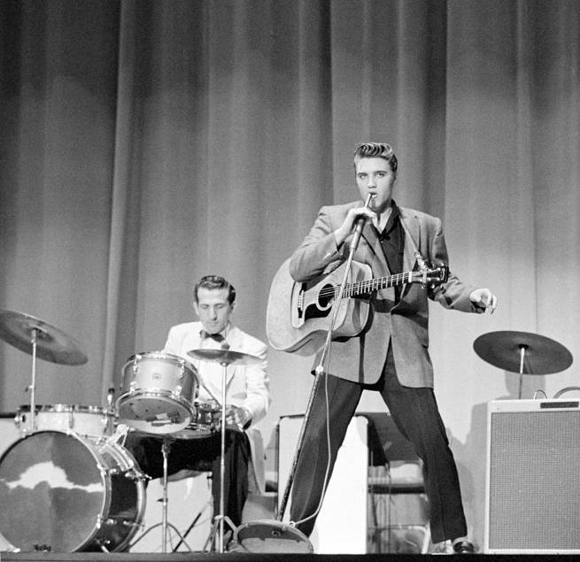 elvis-presley-with-dj-fontana-and-bill-black-1956-phillip-harrington.jpg