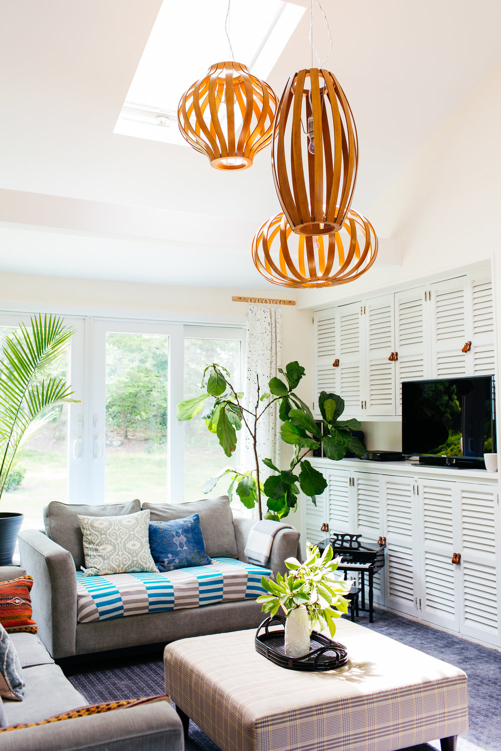 eclectic mid century family room built ins therathproject