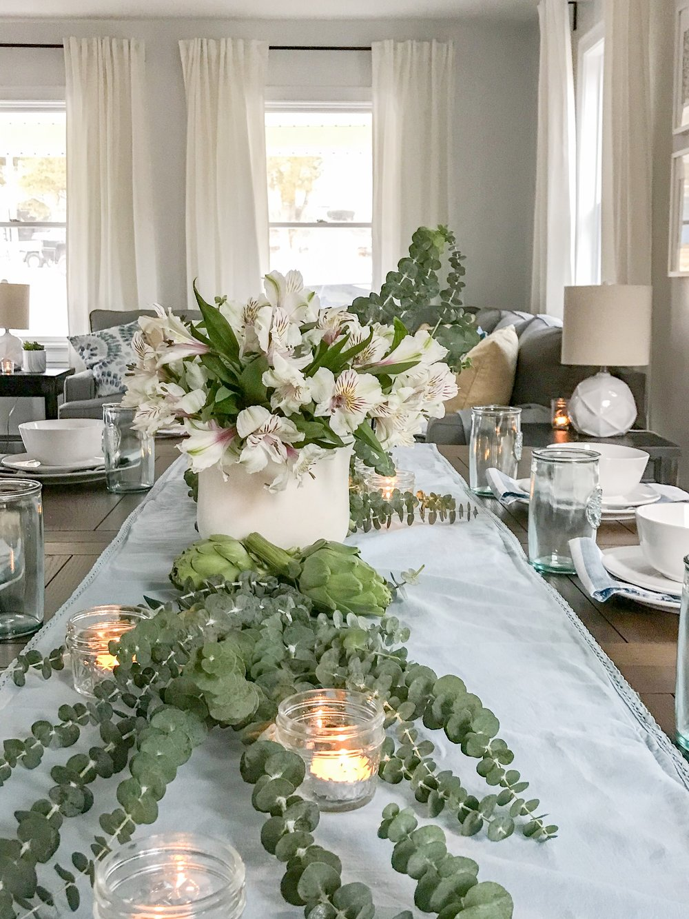 Bloggers Heart Habitat house dining room tablescape design ( The Rath Project)