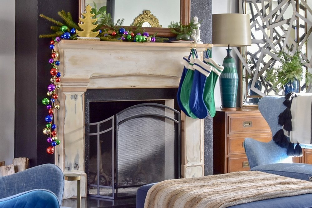 rath project eclectic christmas fireplace .JPG