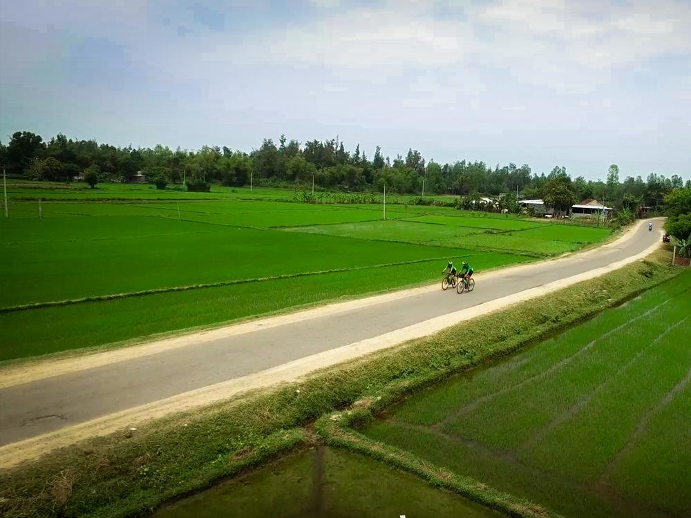 Ride-the-Vietnam-Ocean-Road-Masthead-1.jpg