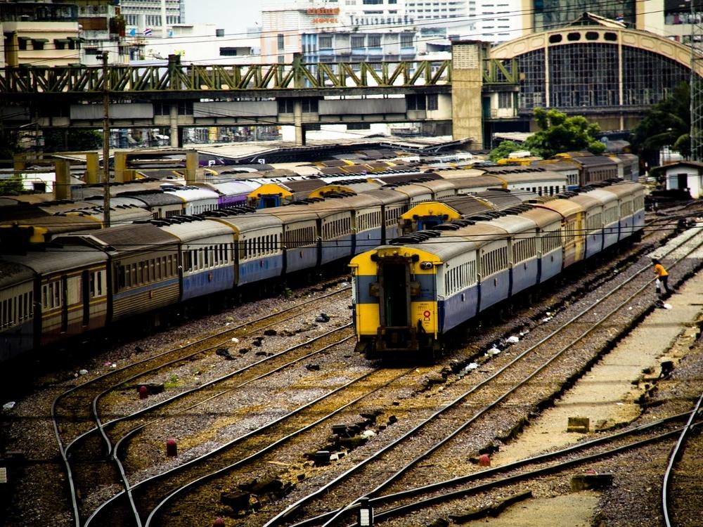 train-781000_1920.jpg