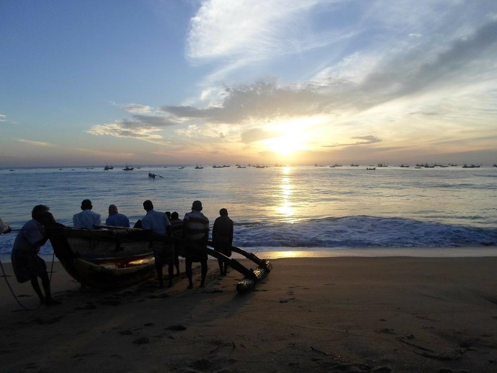 beach-181872_1920.jpg