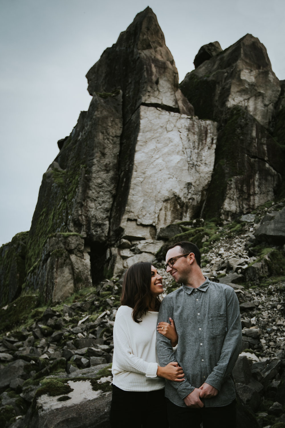 Gorge Oregon Engagement Photos-1.jpg